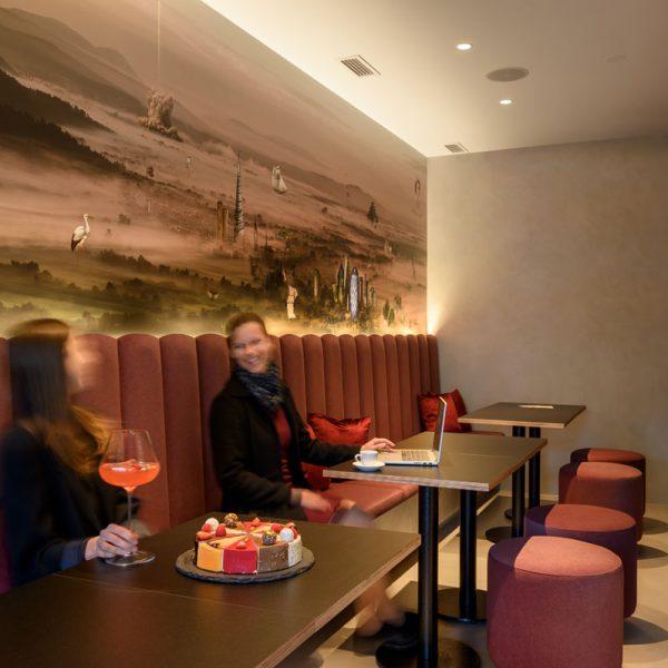 Pohištvo po meri lokala kavarne